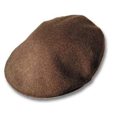 Gorra visera de caballero en color marrón.