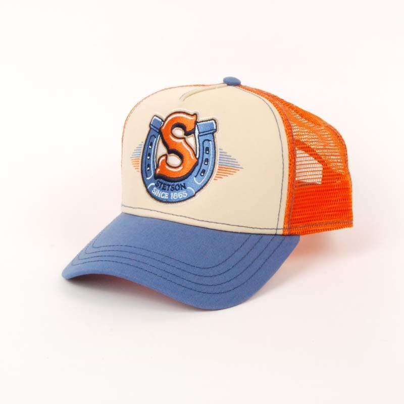 Gorra visera baseball, marca STETSON, con rejilla en color naranja, azúl y beige, verano.