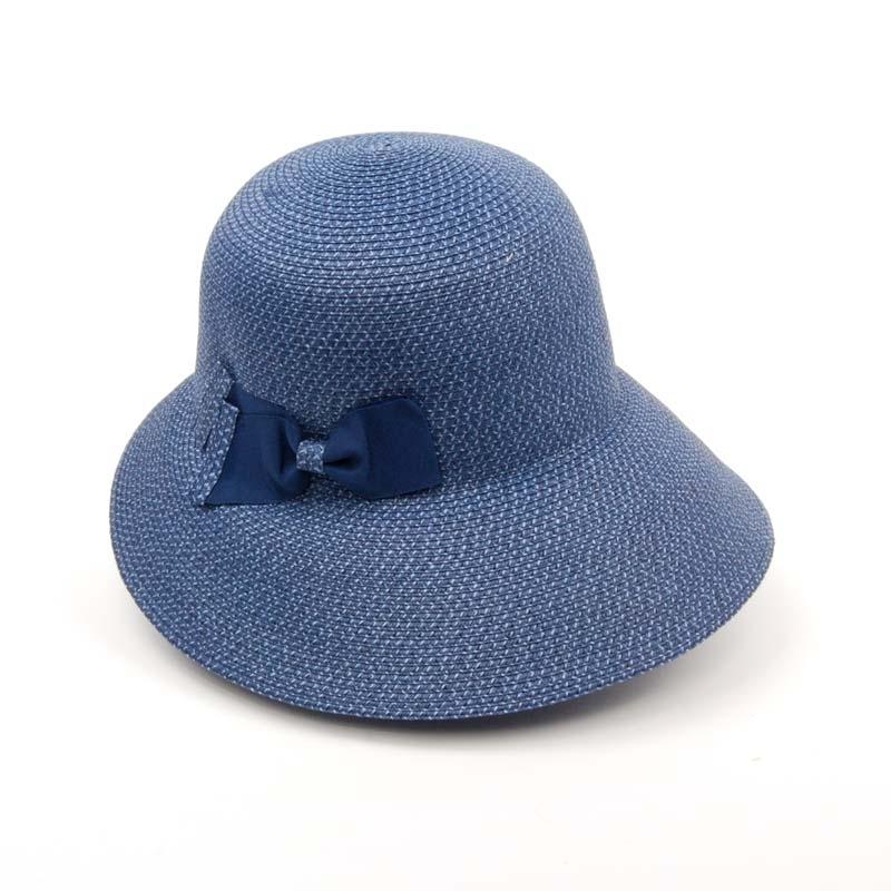 Pamela de señora para el verano en color azul, ligera, flexible y cómoda.