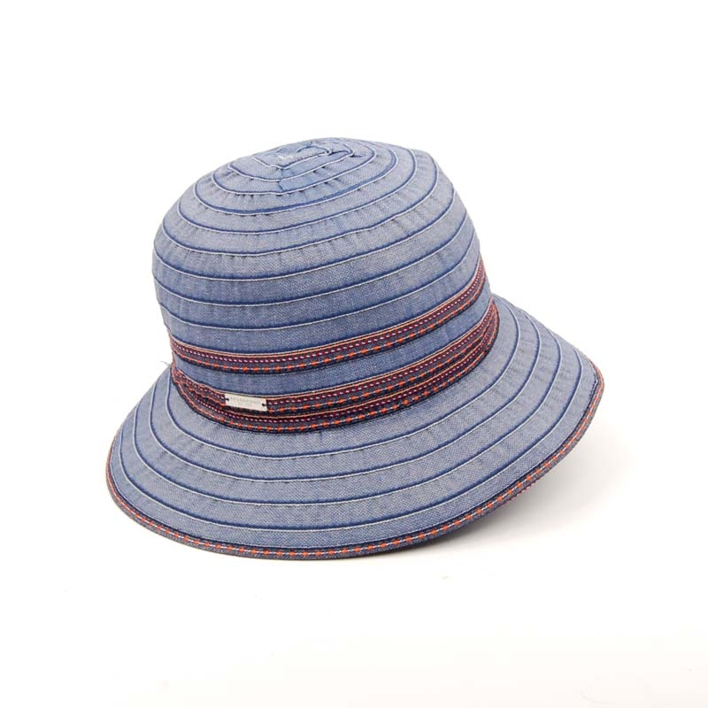 SOMBRERO DE VERANO, FLEXIBLE. COLOR AZUL.